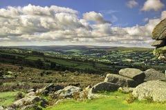 Den Widdecombe dalen från Bonehill vaggar Dartmoor Royaltyfria Foton