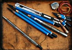 Den Wood blyertspennan för skissar bilden Arkivfoton