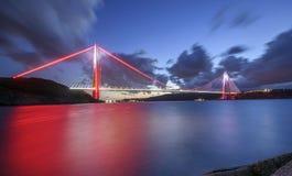 Den Yavuz Sultan Selim bron är den mest högväxta upphängningbron i th Arkivfoton
