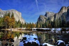 Den Yosemite nedgången möter vinter Fotografering för Bildbyråer