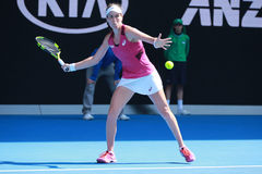 Den yrkesmässiga tennisspelaren Johanna Konta av Storbritannien i handling under hennes fjärdedelfinalmatch på australiern öppnar Arkivbilder