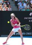 Den yrkesmässiga tennisspelaren Johanna Konta av Storbritannien i handling under hennes fjärdedelfinalmatch på australiern öppnar Royaltyfri Fotografi