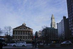 Den yttre sikten av det Bostonian samhällemuseet shoppar fotografering för bildbyråer
