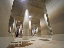 Den yttre underjordiska urladdningskanalen för storstadsområde Arkivbild