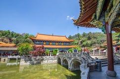 Den Yuantong templet är den mest berömda buddistiska templet i det Kunming, Yunnan landskapet, Kina Arkivbild