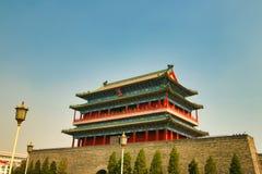 Den Zhengyangmen porthuset i den Tiananmen fyrkanten Beijing fotografering för bildbyråer