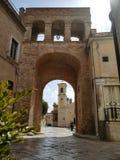 Den zigenska porten eller Arco Borrelli, på slutet av via Nicola Fiani Torremaggiore Arkivbild