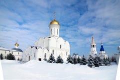 Den Zilantov Svyato-Uspensky kloster lokaliseras i staden av Kazan på den Zilant kullen royaltyfri fotografi