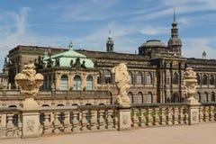 Den Zwinger slotten och den Dresden slotten Arkivbild
