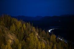 Denali高速公路在晚上 免版税库存图片