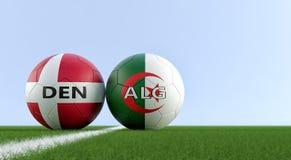 Denemarken versus Het Voetbalgelijke van Algerije - Voetbalballen in de nationale kleuren van Denmarks en van Algerias op een voe royalty-vrije illustratie