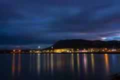 Denia口岸和光在晚上 免版税图库摄影