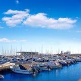 Denia小游艇船坞口岸在有小船的阿利坎特西班牙 库存图片