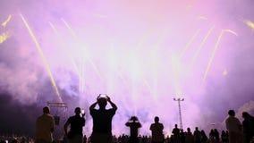 DENIA, ΙΣΠΑΝΊΑ - 15 ΙΟΥΛΊΟΥ 2018: Μουσικά πυροτεχνήματα σε Denia απόθεμα βίντεο