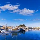 Denia Port met de provincie Spanje van Alicante van de kasteelheuvel Royalty-vrije Stock Foto