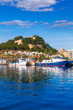 Denia Port mit Schlosshügel Alicante-Provinz Spanien Lizenzfreie Stockfotos
