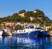 Denia Port mit Schlosshügel Alicante-Provinz Spanien Stockfotografie