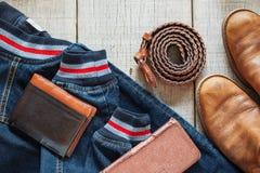Denim ed accessori su di legno immagini stock libere da diritti