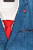 Denimjasje en rode band, de manier van mensen Royalty-vrije Stock Foto's