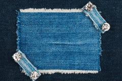 Denimkader met rand en twee riemen met bergkristallen royalty-vrije stock afbeeldingen