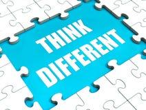 Denk het Verschillende Raadsel het Denken buiten Doos toont Stock Foto