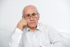 Denken des alten Mannes Stockfotografie