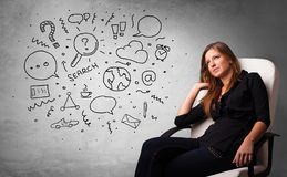 Denken mit Büroproblemen stockfotos