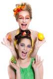 Denken Sie Grün! Schöne Frauen Stockfotografie