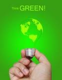 Denken Sie grünes Konzept lizenzfreie stockfotografie