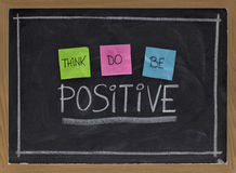 Denken Sie, tun, positiv zu sein Stockbild