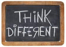 Denken Sie unterschiedliches auf Tafel Stockbild