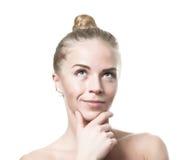Denkend groen eyed blond meisje Royalty-vrije Stock Foto's