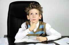 Denkende jongen Stock Fotografie