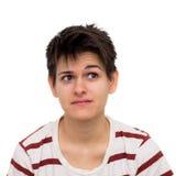 Denkende junge causasian Frau lokalisiert auf Weiß Stockfotografie