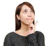 Denkende vrouw stock foto