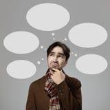 Denkender Mann der Hippie-Art treffen eine Wahl Lizenzfreie Stockfotos