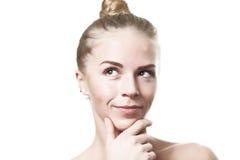 Denkendes grünes gemustertes blondes Mädchen Lizenzfreie Stockbilder