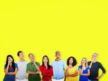 Denkendes Ideen-Innovations-Gedanken-Leute-Konzept Lizenzfreie Stockfotos
