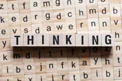 Denkendes Wortkonzept stockfoto