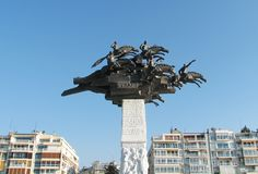 Denkmal auf Gundogdu Quadrat in Izmir, die Türkei Lizenzfreie Stockbilder