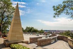 Denkmal mit panoramischer Landschaft Stockbild
