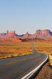 Denkmal-Tal in der roten Wüste lizenzfreies stockfoto