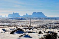 Denkmal-Tal im Schnee Stockfotos