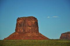 Denkmal-Tal-Navajo-Inder-Stammes- Park-Anflug Lizenzfreies Stockfoto