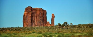 Denkmal-Tal-Navajo-Inder-Stammes- Park-Anflug Stockbilder