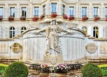 Denkmal von Krieg 1914-1918 auf Rathaus in Epernay, Frankreich Lizenzfreie Stockfotos