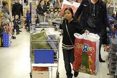 DENMARK_christmas shoppers Royalty Free Stock Image