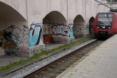 DENMARK_GRAFFITI COME ARTE O VANDALISIM immagine stock libera da diritti