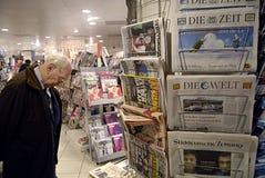 DENMARK_NEWS-STÄLLNING royaltyfria bilder