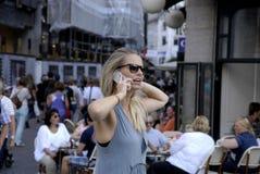 DENMARK_PHOTO FEATURES_LIFE CON GLI SMARTPHONES Fotografie Stock Libere da Diritti
